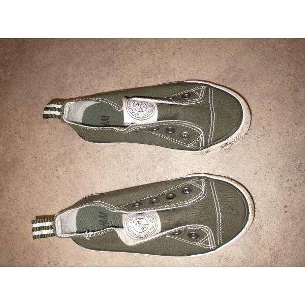 Sneakers * Gr 25